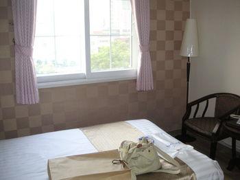 ホテル部屋1.JPG