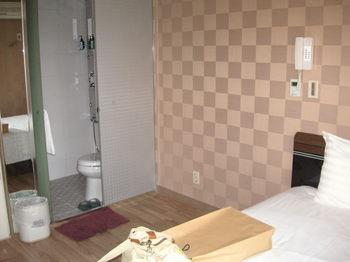 ホテル部屋2.JPG